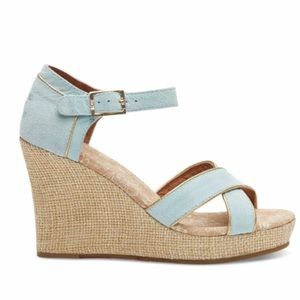 NWT* TOMS Size 5 Strappy Wedge Light Blue Wedges